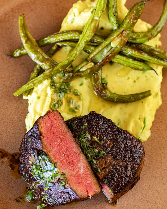 filet mignon, green beans, and mashed potatoes