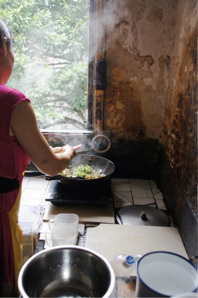 Die Mutter von Zhang Xiaohe, nicht die schlechteste Köchin. Wenn sie gut mit Chilli kochen kann, warum sollten grossartige Köche es nicht auch schaffen?