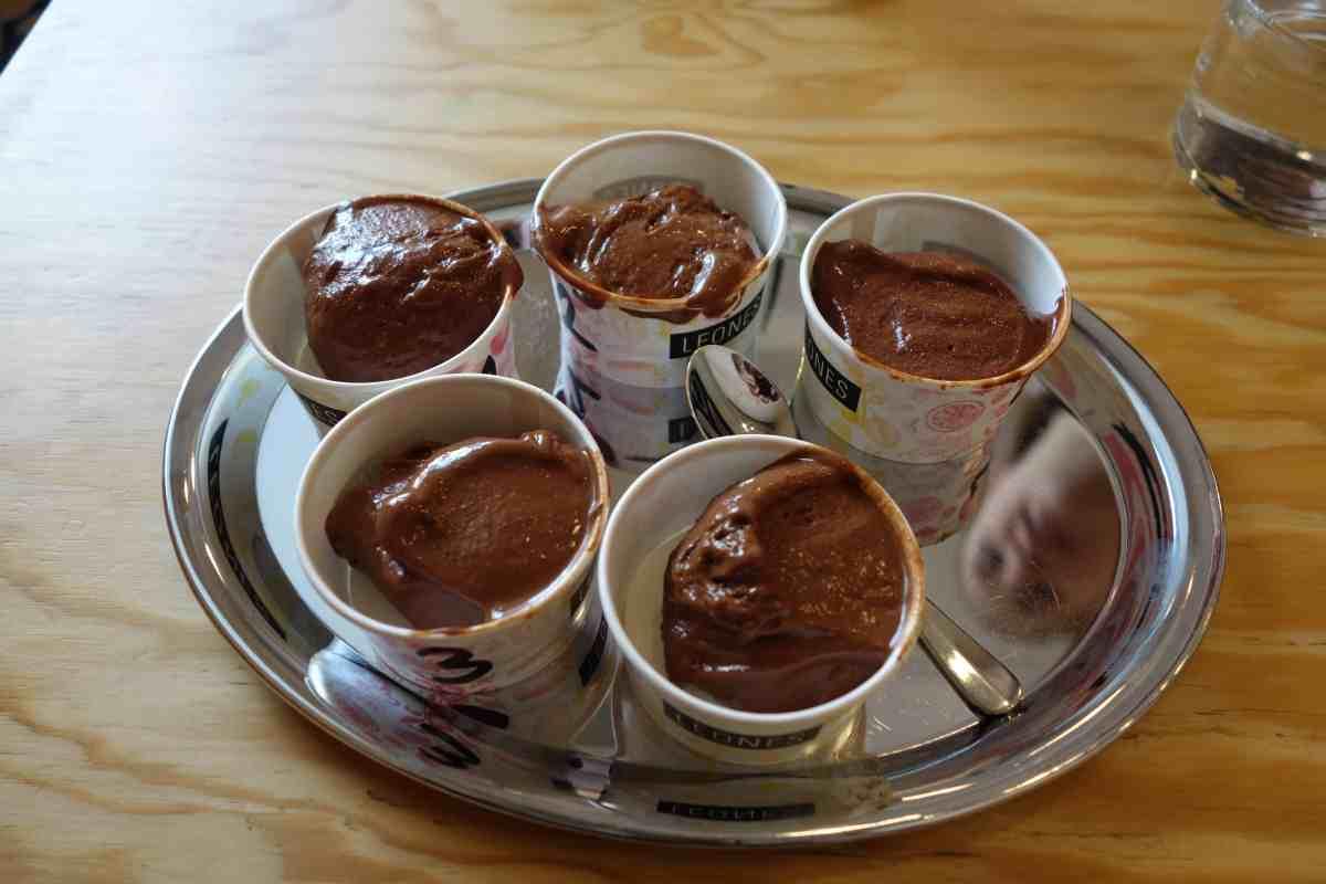 Leones Schokolade-Gelato zur Degustation