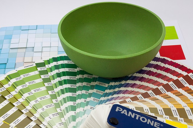pantone colors - how to use pantones color of the year in your designs - chilliprinting