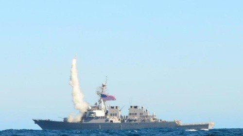 美军第七舰队在日本撞船  事故频发引关注