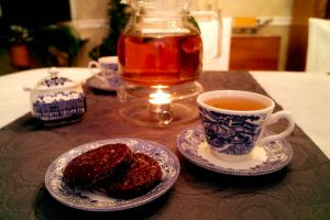 Tee und Lebkuchen am Advents-Sonntag.
