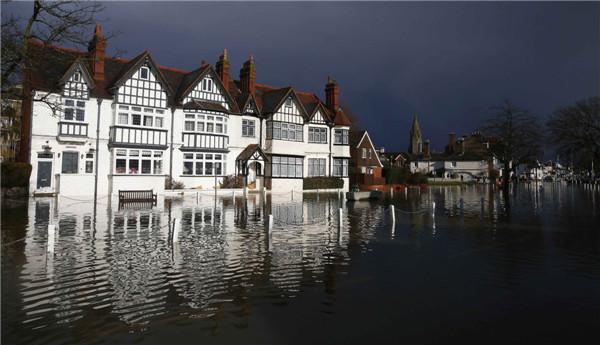 Flooding along the River Thames
