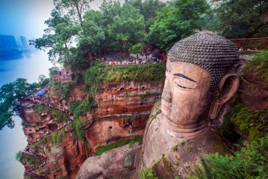 Risultati immagini per buddha leshan
