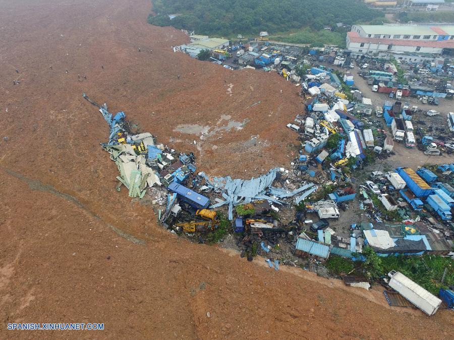 Llegan refuerzos para labores de rescate en Shenzhen