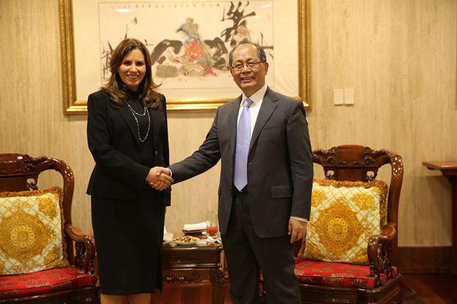 Embajador Qiu Xiaoqi se entrevista con la Directora General de Canal Once