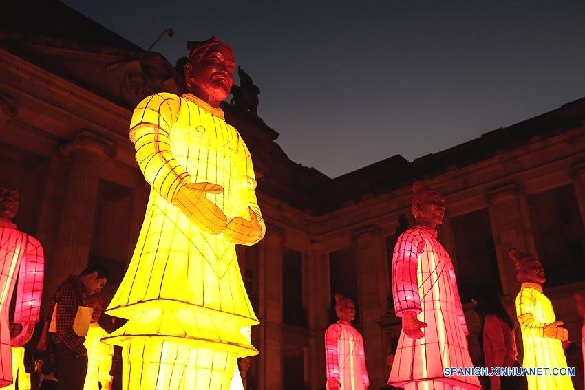 ESPECIAL: Concluye con éxito exhibición Linternas de Terracota en Colombia