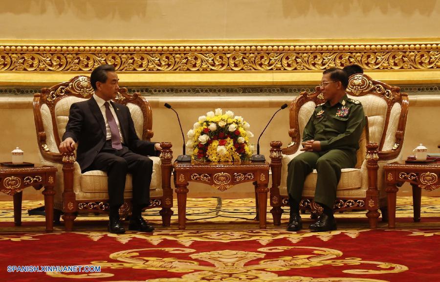 China protegerá paz junto con Myanmar en zonas fronterizas, dice canciller chino