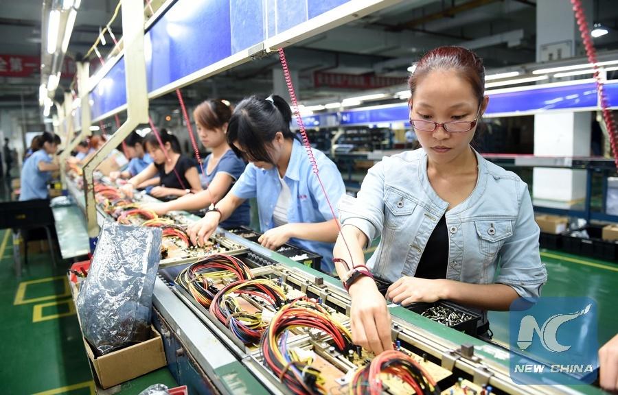 ENTREVISTA: China está en vía de lograr un crecimiento económico más sostenible