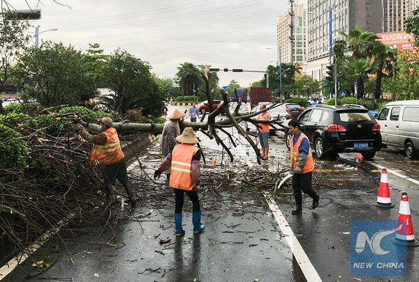 China advierte de desastres geológicos mientras tormenta dispara otra alerta naranja