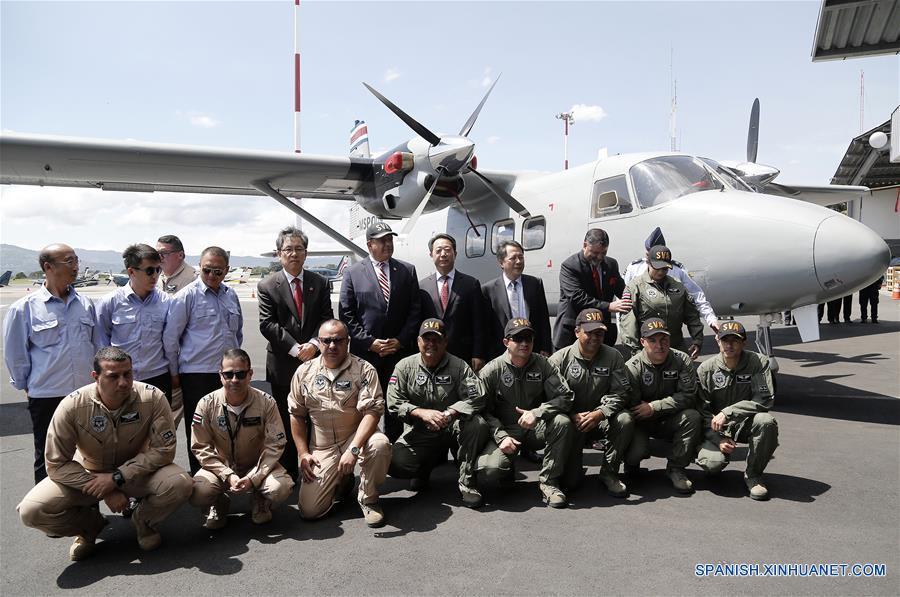 Costa Rica recibe dos aviones donados por China