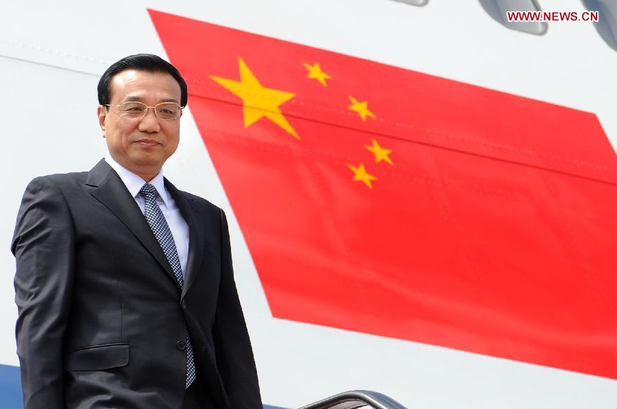 Primer ministro chino sostiene que mundo debe defender globalización