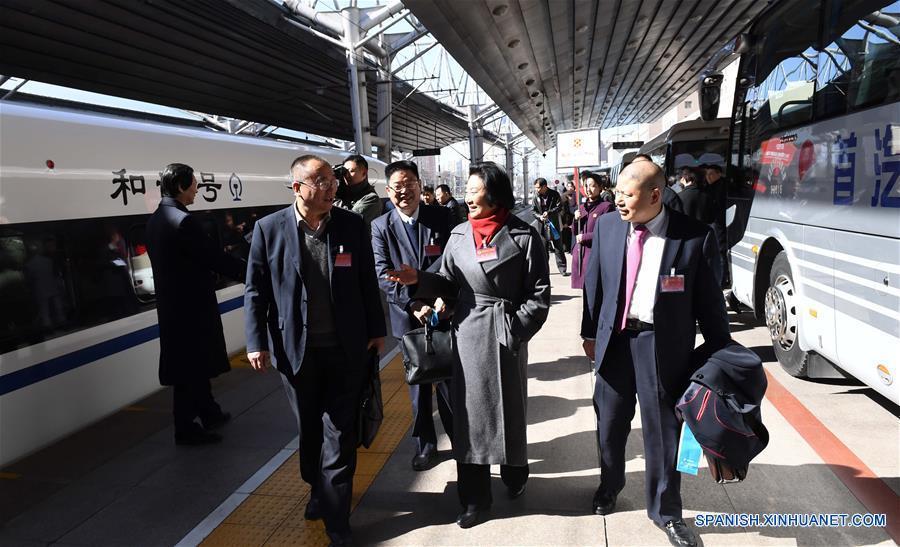 Asesores políticos chinos llegan a Beijing para reunión anual