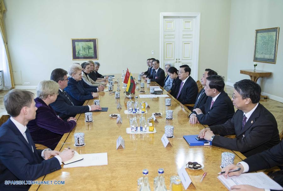 China y Lituania acuerdan construir lazos más fuertes