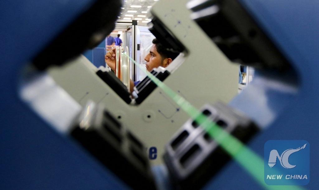 Empresas china e india cooperan para formar a talentos en tecnología informática