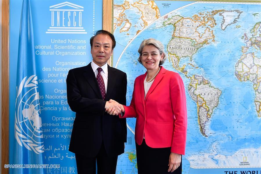 Editor en jefe de Xinhua se reúne con directora general de Unesco