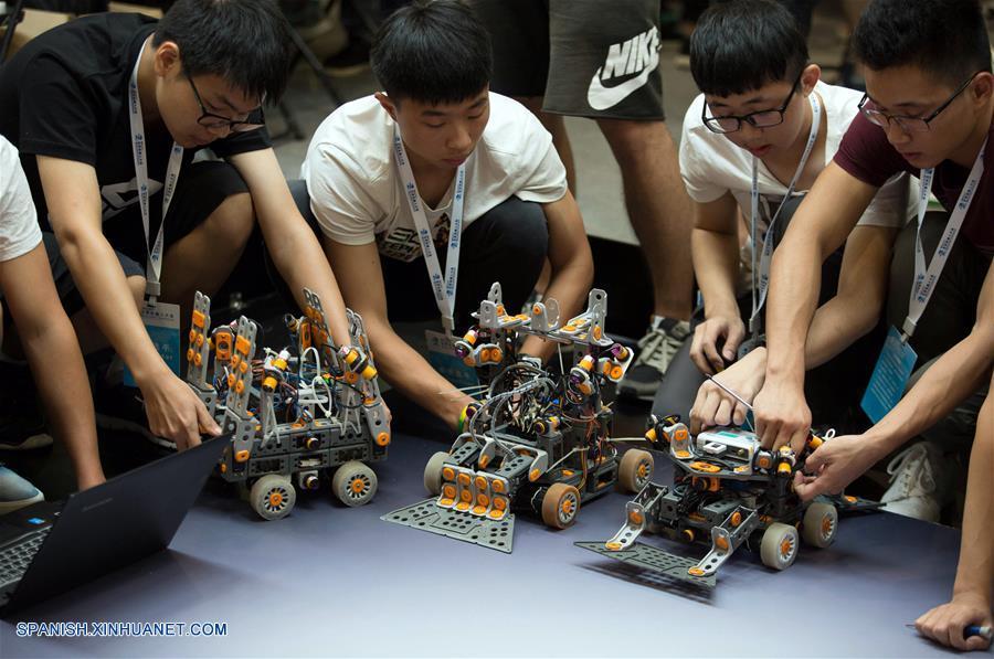 China avanza rápidamente en robotización: Bloomberg