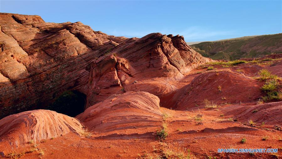 Descubren gran formación Danxia en noroeste de China
