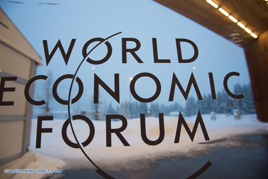 ENFOQUE: China revela planificación de política económica en foro de Davos