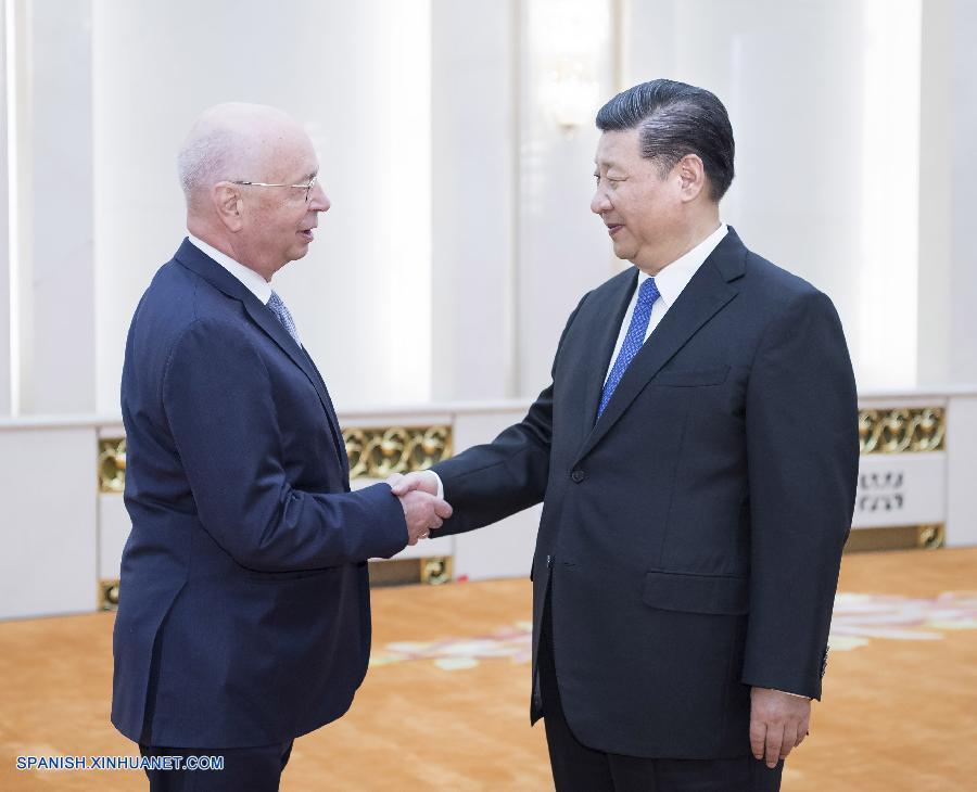 Presidente Xi se reúne con presidente ejecutivo del Foro Económico Mundial