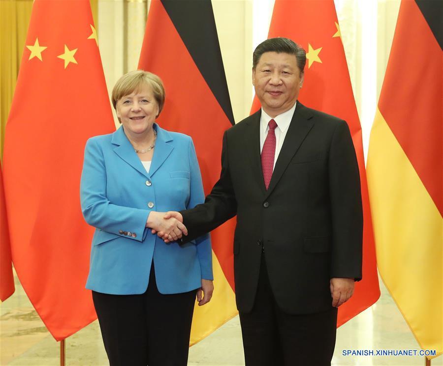 Xi se reúne con Merkel y pide que relaciones China-Alemania alcancen nueva altura