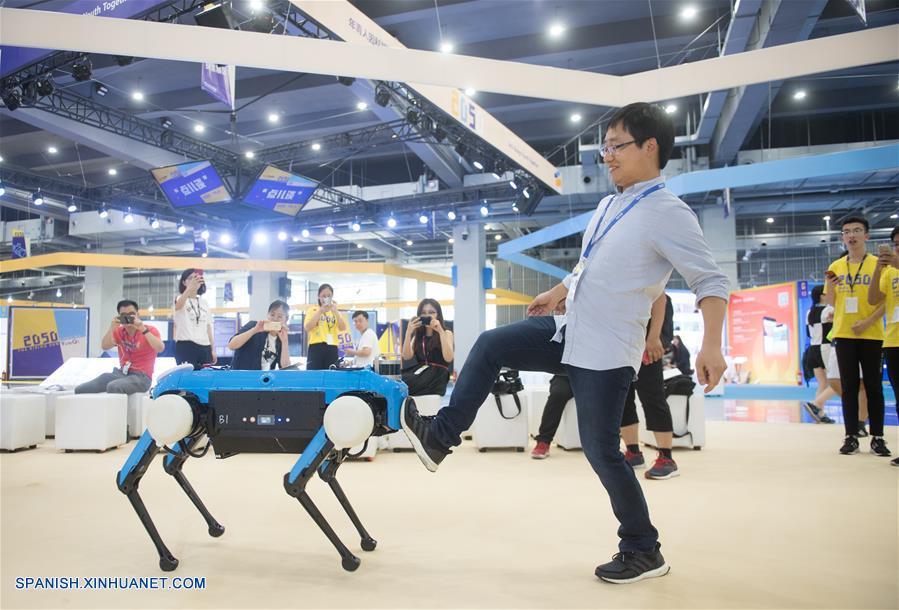 Más de 10.000 jóvenes se reúnen en conferencia de innovación tecnológica de China