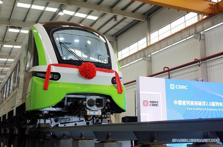 Nuevo tren de levitación magnética de China sale de línea de montaje