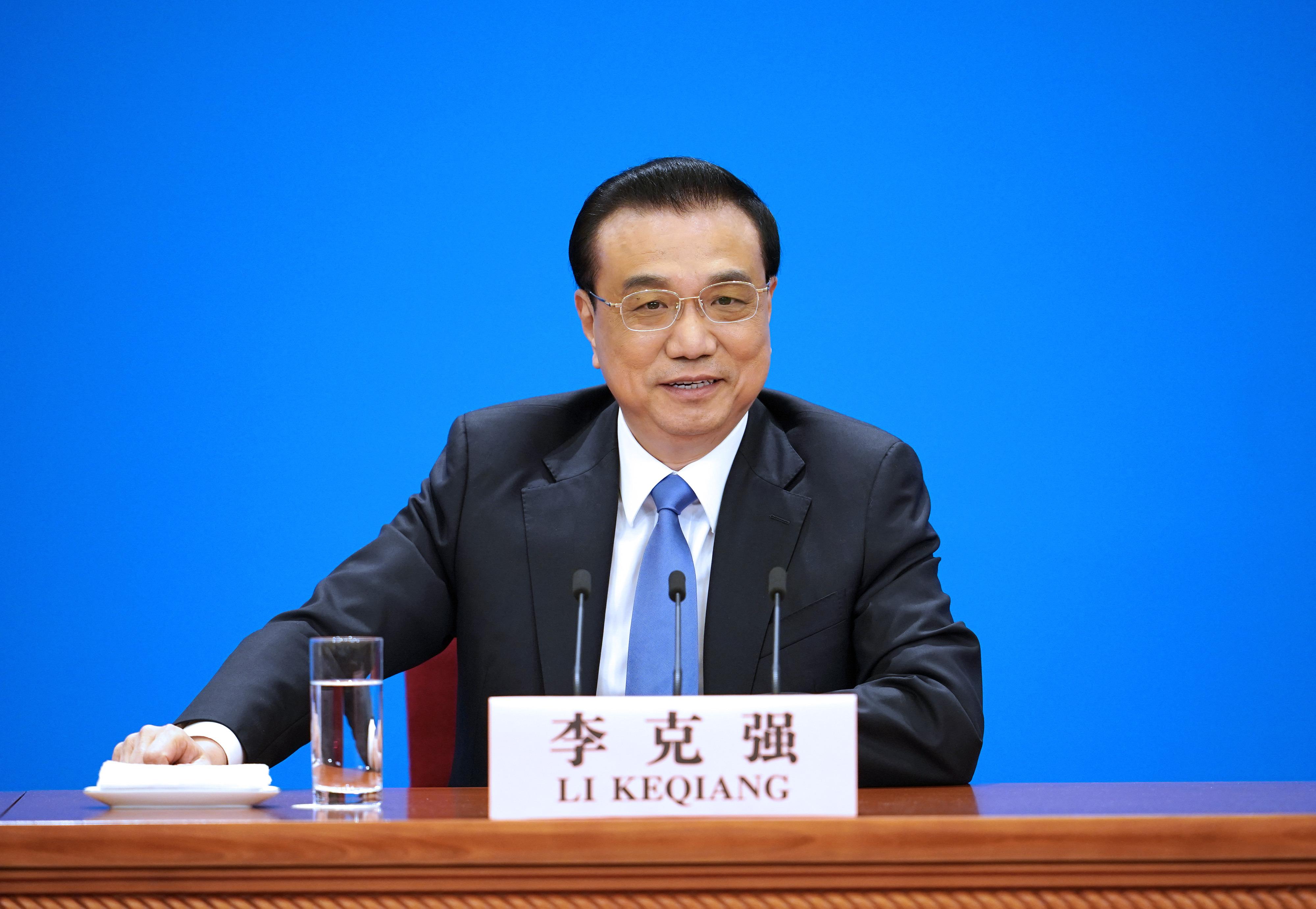 Primer ministro chino exige esfuerzos sólidos para cumplir objetivo y tareas anuales