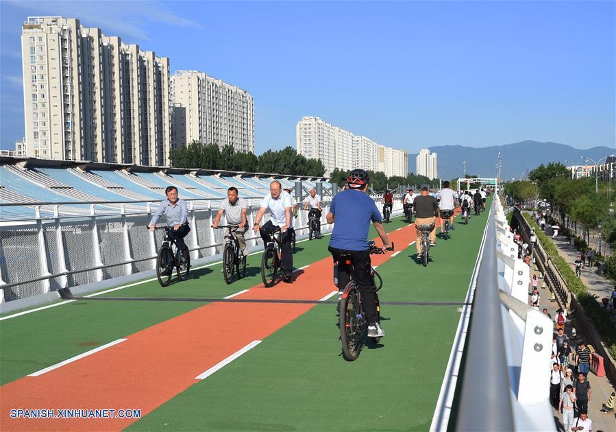Beijing abre su primera carretera solo para bicicletas