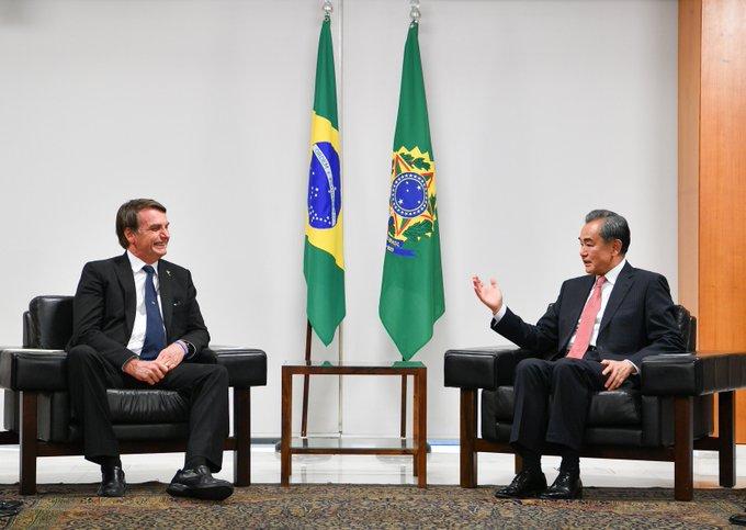 Brasil y China prometen fortalecer lazos