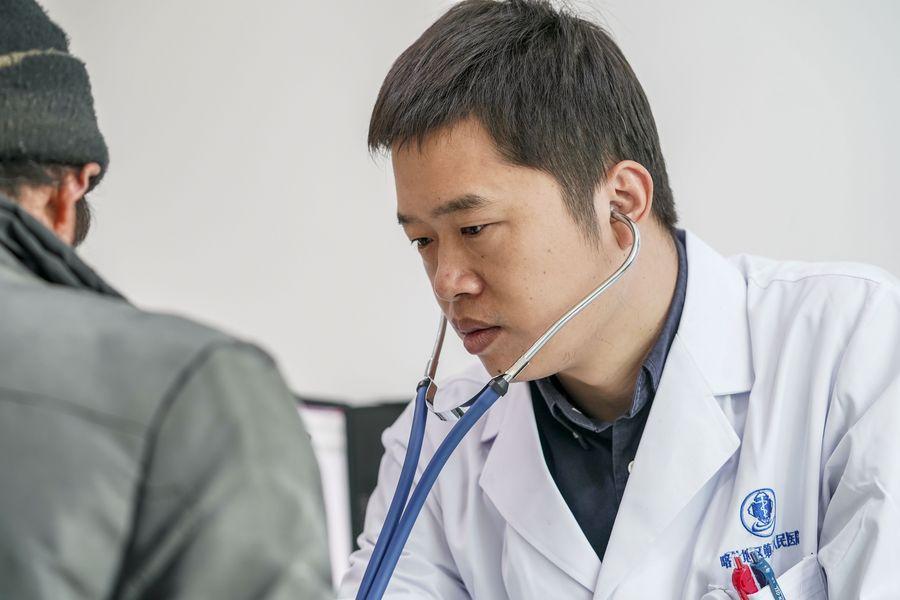 Se ven en Xinjiang logros en el tratamiento de la tuberculosis