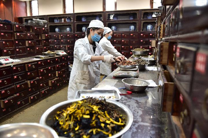 China tiene más de un millón de farmacéuticos con licencia