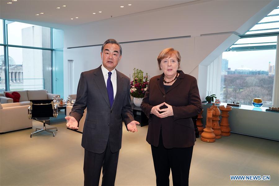Confianza y cooperación entre China y Alemania mejorarán aún más después de epidemia: ministro chino de Exteriores