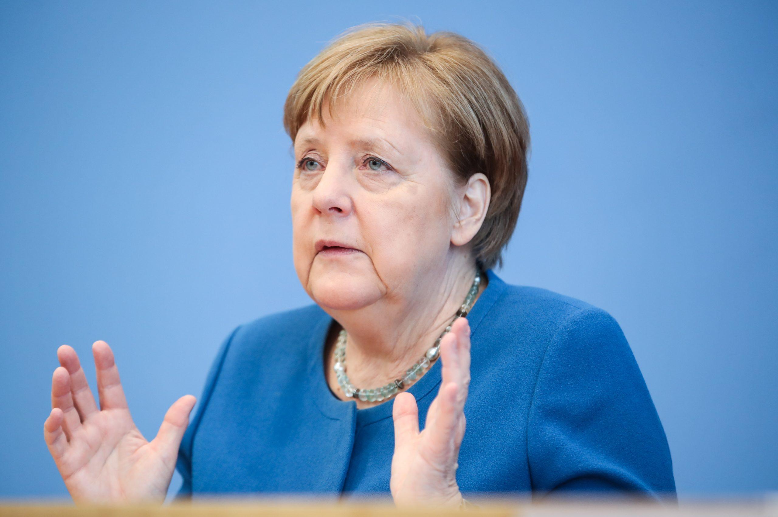 Merkel da negativo a coronavirus por tercera ocasión
