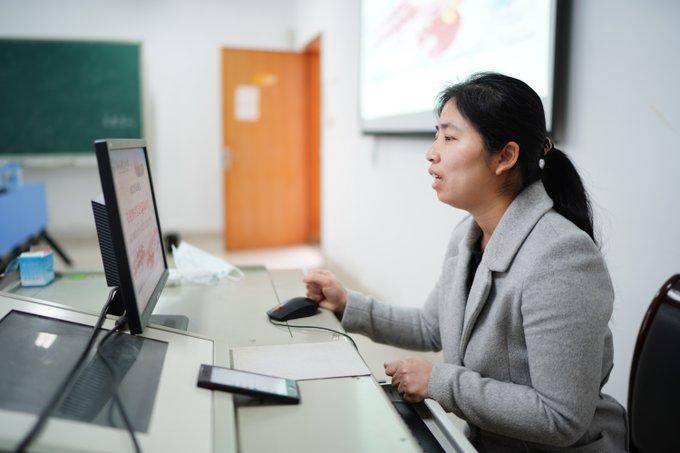 China aplicará cronograma diferenciado para reanudación de clases en universidades