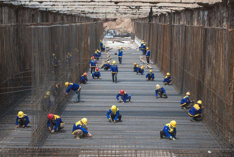 Vicepremier chino subraya pago puntual de salarios a trabajadores migrantes