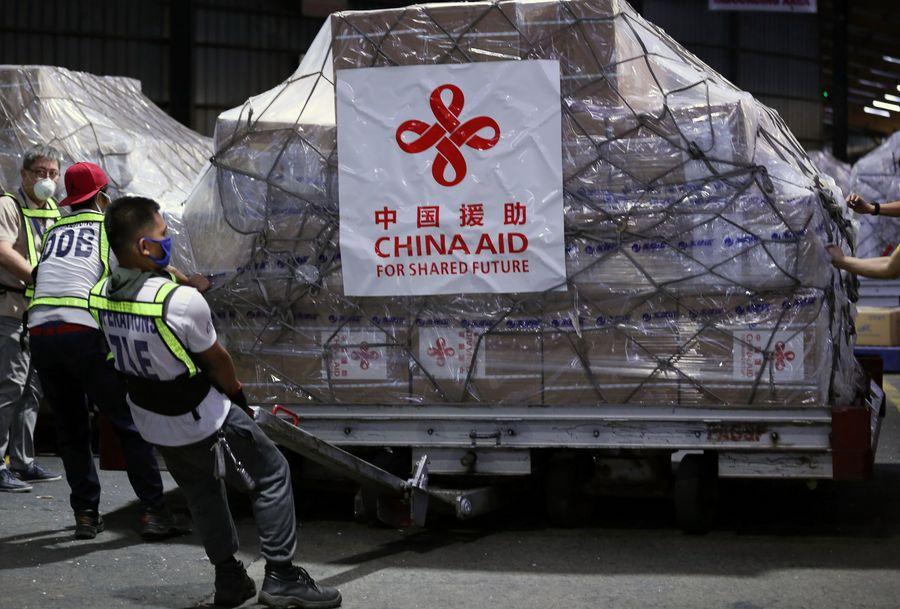 China envía 302 vuelos chárter para apoyar esfuerzos mundiales contra neumonía COVID-19