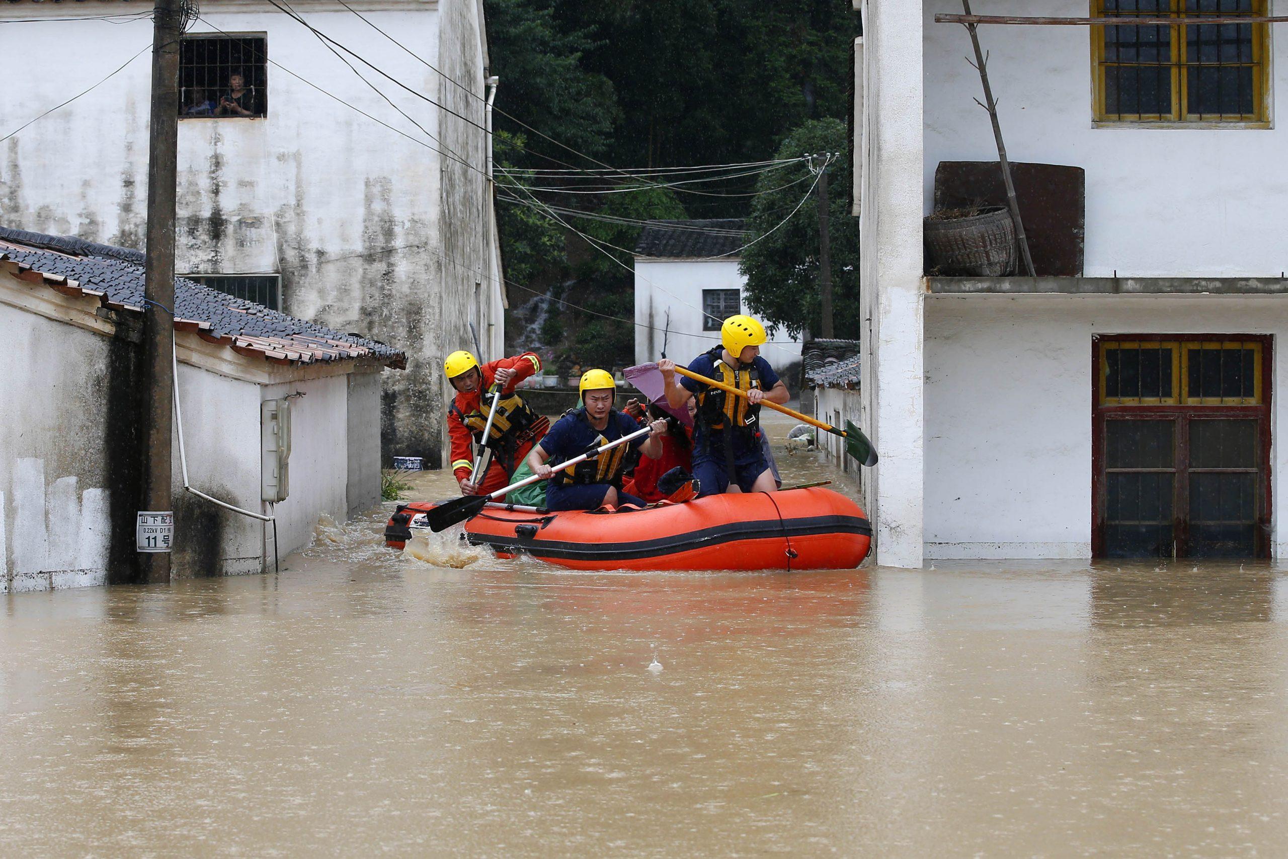 China renueva alerta amarilla por tormentas