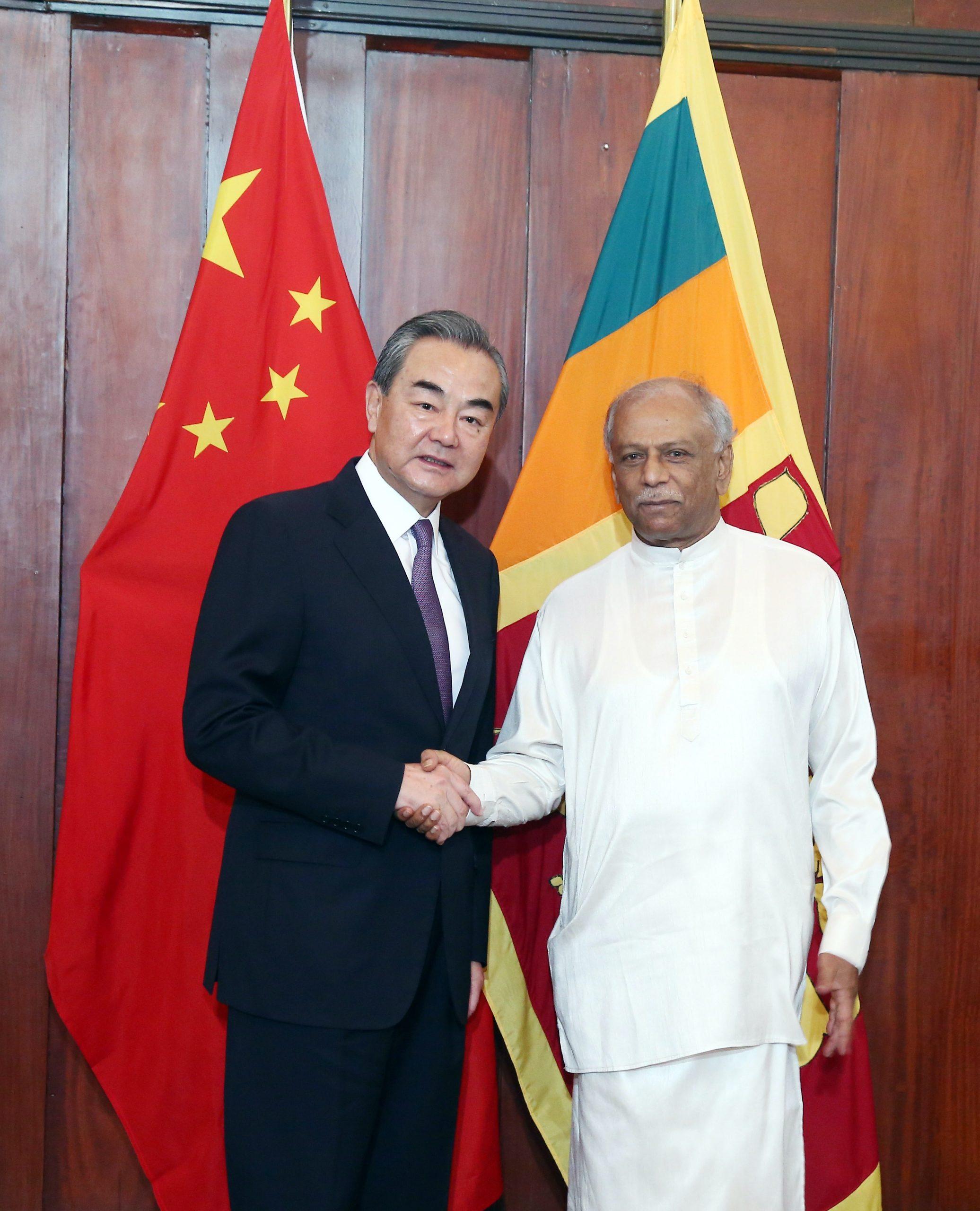 Canciller chino felicita a nuevo canciller de Sri Lanka, Dinesh Gunawardena
