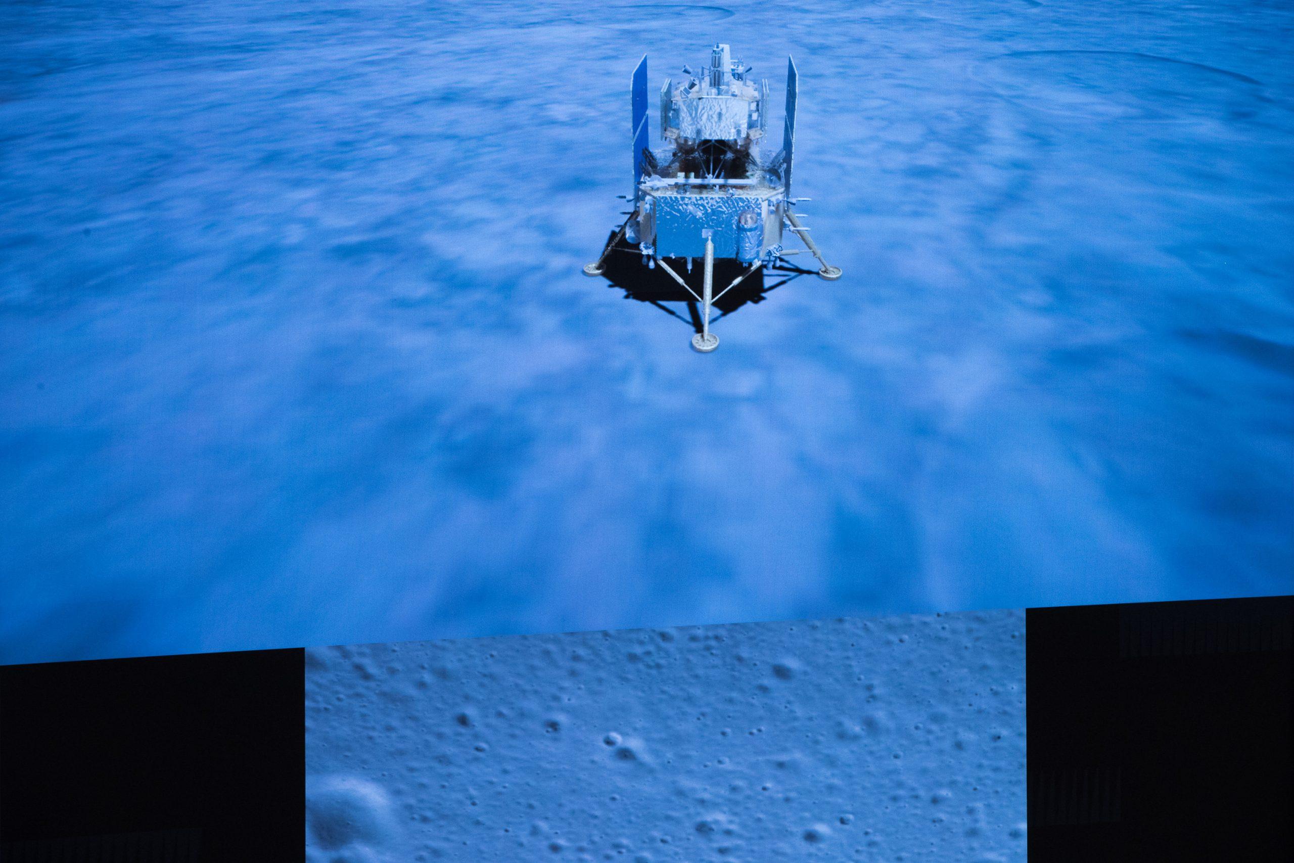Sonda china Chang'e-5 recolecta muestras de la Luna