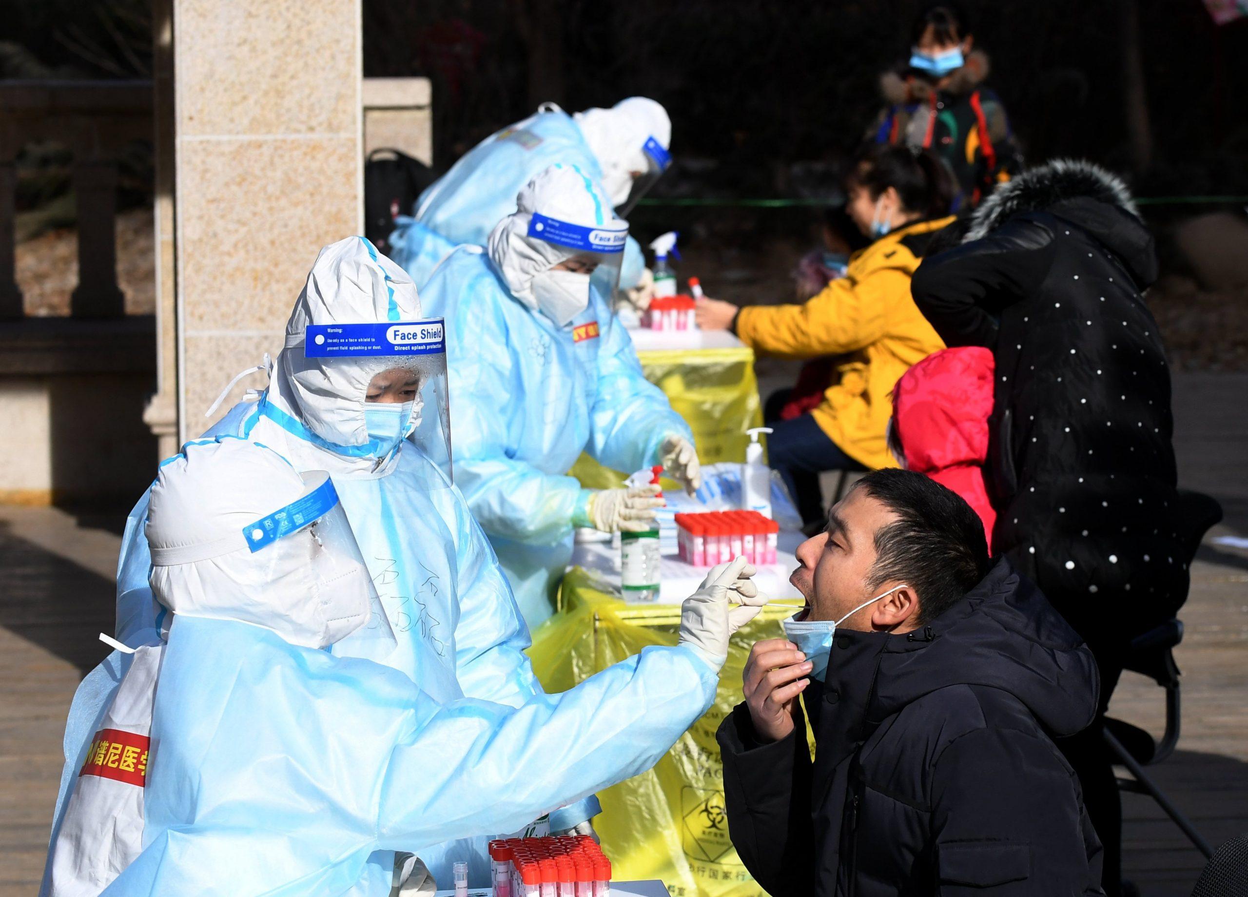 Envían 3.470 médicos para ayudar a ciudad china de Shijiazhuang en lucha contra COVID-19