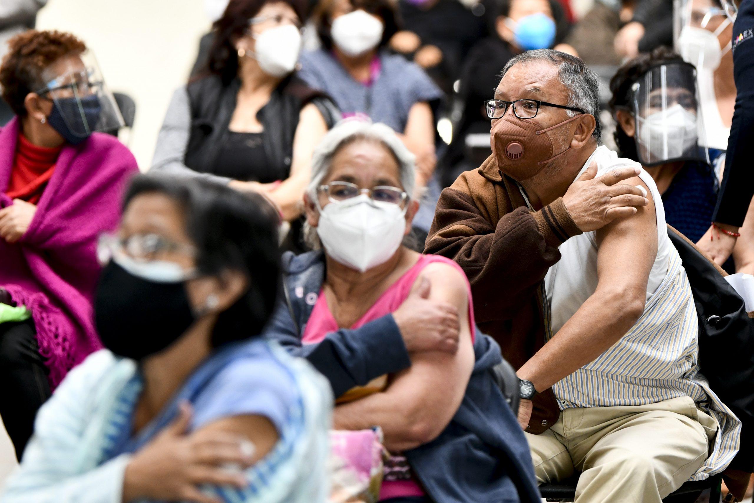 Aplicación de vacuna china despierta entusiasmo en zona de México afectada por COVID-19