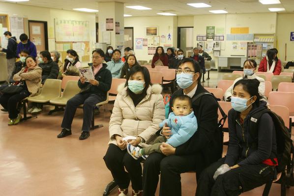 港媒稱流感高峰病人擠滿醫院 香港醫局推三招應對 -中新網