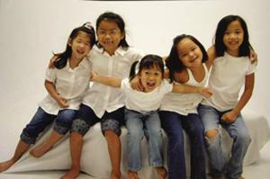 聚焦美國家庭領養的中國孤兒:從被救濟到被寵愛——中新網