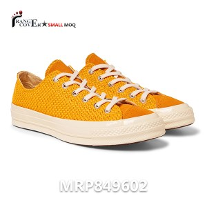 Canvas Low Top Sneakers (1)