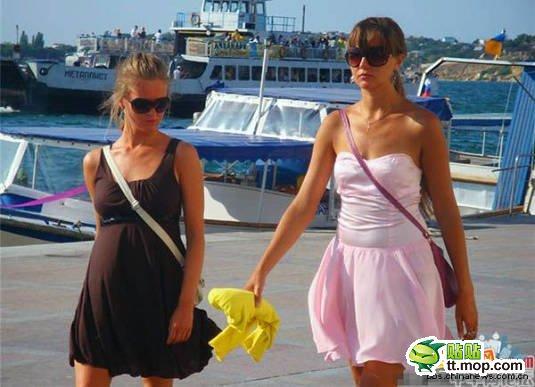 Ukrainian women walking the streets of the Ukraine, Chinese netizen reactions