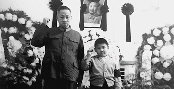 Chinese mourning Mao Zedong's death in September 1976.