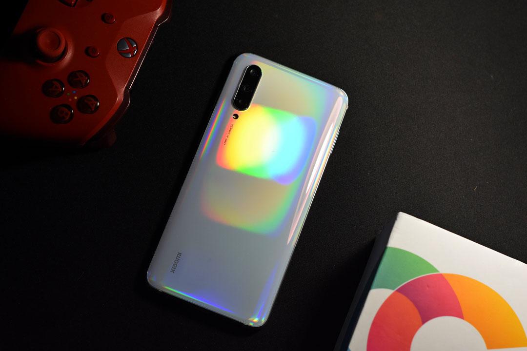 Xiaomi Mi 9 Lite ufficiale: il gemello diverso dello Xiaomi Mi CC9