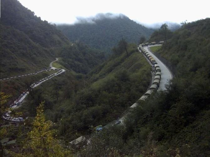 Road Shipping to Tibet: Sichuan-Tibet Highway