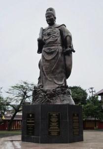 """Statue de Zheng He au temple de Sam Po Kong (le """"Maître des Trois Joyaux"""") à Semarang, en Indonésie."""